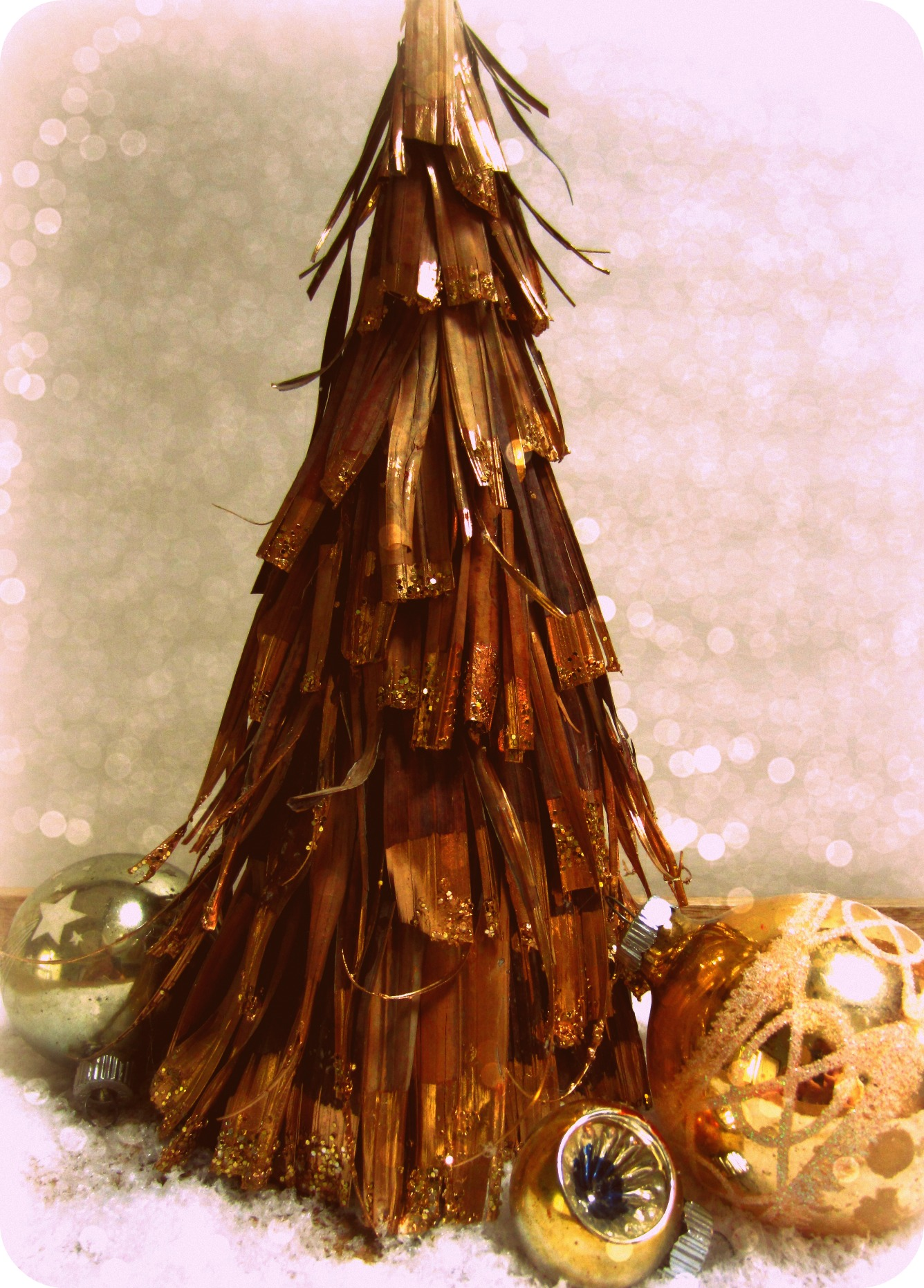Glittered Palm Frond Christmas Tree Tutorial – Vintage Key West